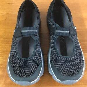 Bzees by Naturalizer gray shoes 9M
